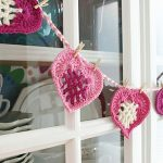 Free Crochet Pattern From the Heart Bunting by Felted Button