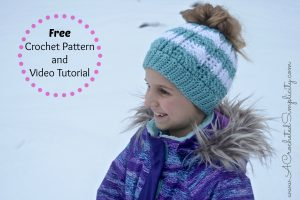 Free Crochet Pattern – Crochet Cabled Messy Bun (Kids' Sizes) (video tutorial included)