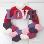 Free Crochet Pattern Love-Wreath by Repeat Crafter Me