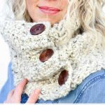 Free Crochet Pattern- The-Bixby-Free-Crochet-Cowl-Pattern-by Make & Do Crew