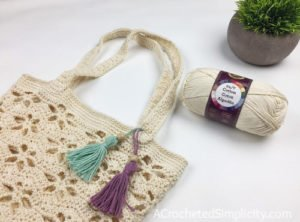 Summer Breeze Tote Bag - Free Crochet Bag Pattern by A Crocheted Simplicity for Make & Do Crew #freecrochetpattern #freecrochettotepattern #crochettote #crochetbag #crochet