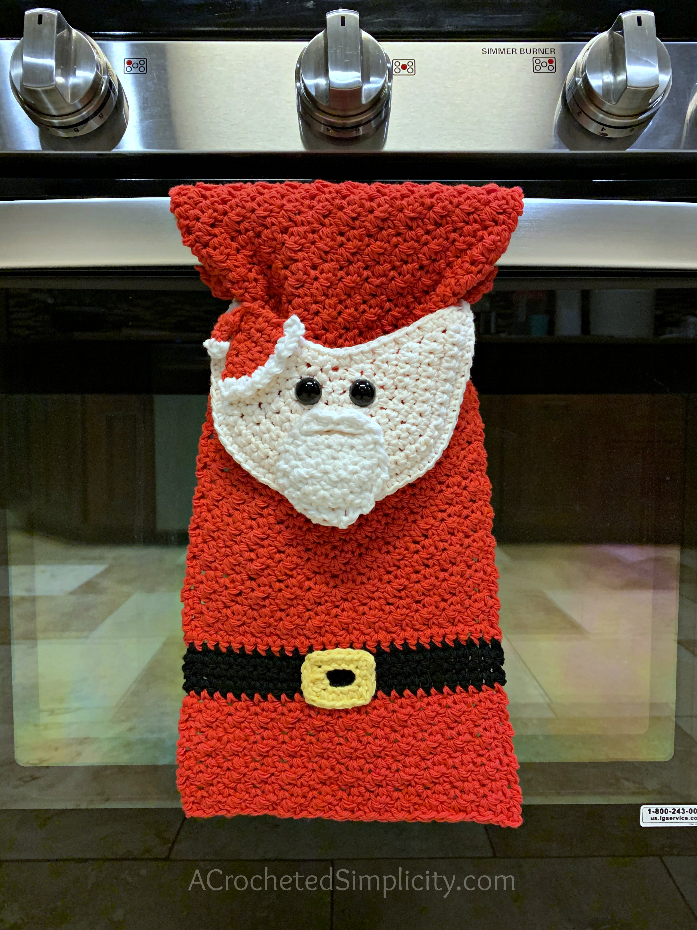 Free Crochet Towel Pattern - Santa Claus Kitchen Towel by A Crocheted Simplicity #santaclauscrochet #crochetsantaclaus #santaclaustowel #freecrochetpattern #crochettowelpattern #santatowel #handmadetowel