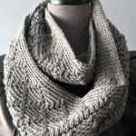 Free Crochet Cowl Pattern - Diamonds Cowl Infinity Scarf Pattern by A Crocheted Simplicity #freecrochetpattern #crochetcowl #crochetscarf #crochetinfinityscarf #infinityscarf #crochetcowlpattern #crochetdiamonds #diamonds